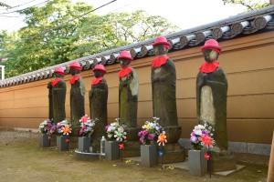 Buddha Figuren im Kanejii Tempel